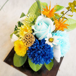 仏花としてお供えするプリザーブドフラワー・造花も多数ございます。